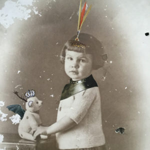 Aude Cotelli. Collage. Petite joueuse